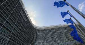 EU increases pressure on US technology firms over user terms