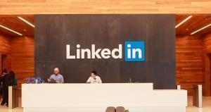 LinkedIn ventures into user video content