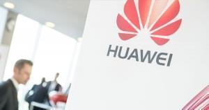 Samsung and Apple issues help Chinese smartphone maker Huawei gain ground